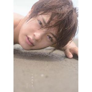 俳優・塩野瑛久のファースト写真集。今までに見たことのない表情がたっぷりとつまった珠玉の一冊。