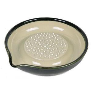 強化セラミック製のするどい刃で軽くおろせます。シャキッと食感!! 製造国:日本 素材・材質:本体:陶...