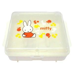 ミッフィーの可愛い哺乳瓶消毒ケースです。 製造国:日本 素材・材質:耐熱ポリプロピレン 商品サイズ:...