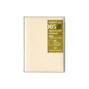 トラベラーズノートのパスポートサイズにセットするリフィルです。 薄くて軽い軽量紙を使用しているので、...