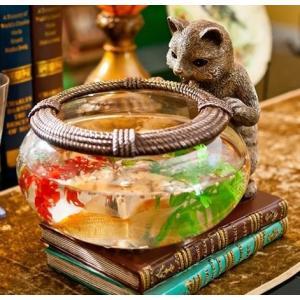 アジアンテイストのおしゃれなネコモチーフのフラワーベース兼ミニ観賞魚用のガラス鉢です。 砂やビー玉も...