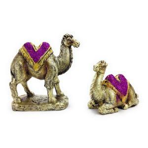 とっても愛らしいヒトコブラクダのカップルのオブジェセットです。 きれいな色合いの布をまとった仲睦まじ...