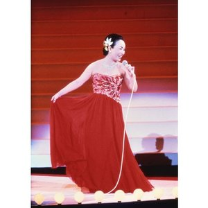 永遠の美空ひばり 紅白のすべてと伝説のNHK番組 DVD6枚+CD2枚+BOOK【NHK DVD公式】|nhkgoods|03