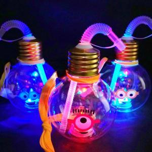 光るおもちゃ ミニオンズ ぽっちゃり 電球ボトル 420ml ストロー付 ( 6入 )  子供会 景品 お祭り くじ引き 縁日 光り物玩具 不良返品不可|nichokichi