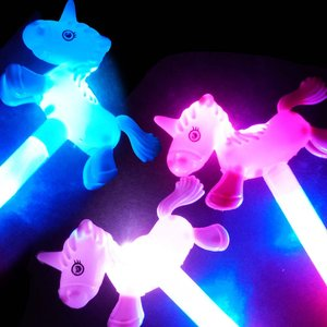 光るおもちゃ 光る ユニコーン スティック  ( 12入 ) 光る玩具 スティック 剣 子供会 景品 お祭り 縁日 不良返品不可|nichokichi