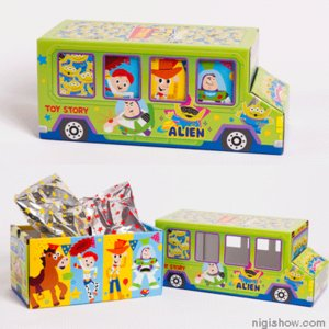 【おつとめ品】 お菓子が詰まった♪ トイストーリー バスお菓子BOX 【即納】|nigiwaishouten|02