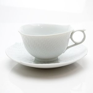 マイセン 波の戯れホワイト ティーカップ&ソーサー 29633|nihonnotsurugi