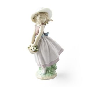リヤドロ (LLADRO) 人形 花の小径 8246|nihonnotsurugi