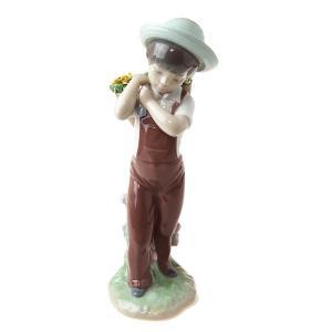 リヤドロ (LLADRO) 人形 花かごの少年 8675|nihonnotsurugi