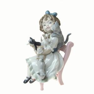 リヤドロ (LLADRO) 人形 小さな家族 8689|nihonnotsurugi