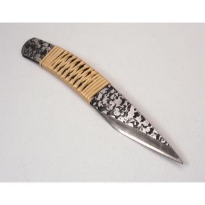 切り出し小刀 8分 槌目 柄曲り 籐巻き|niigata-honmono