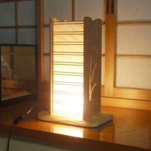 国産杉の木目と障子越しの灯! 小灯スタンド(国産杉使用)「粋」 吉建製作|niigata-honmono