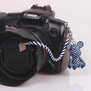 『スマートレターOK!』レンズキャップ ストラップ 11cm 少年 lens cap strap 紛失防止 クマ型 フィギュア ベア おしゃれ かわいい カメラ女子|nineselect