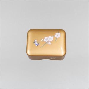 創価学会 お守り御本尊様収納ケース ゴールド 桜蒔絵と蝶螺鈿入 1体用|nipodo