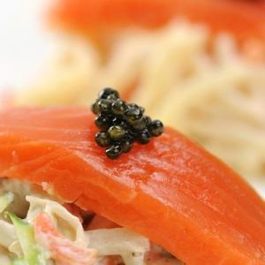 濃厚でクリーミーな味わい 国内養殖数の少ない希少種を使用したフレッシュキャビア(アムール) 送料無料|nipponselect