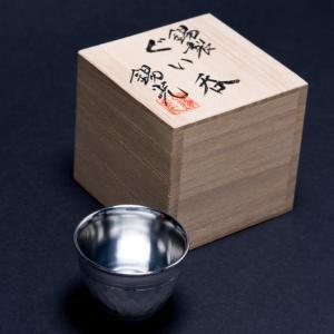 【女性にも人気。日本酒によくあう職人技の錫製ぐい呑み。】埼玉県川口市の錫光は、特殊な素材特徴をもつ錫...