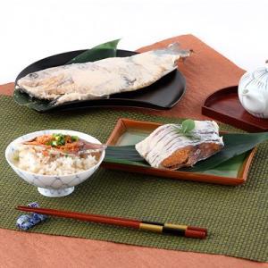 滋賀県の伝統的な味 鮒寿司1匹姿箱入...