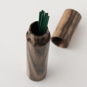 【お遍路や仏閣巡りにも携帯できる贅沢な伝統工芸による逸品。】 京都美山の銘木工芸山匠は、職人の目が選...