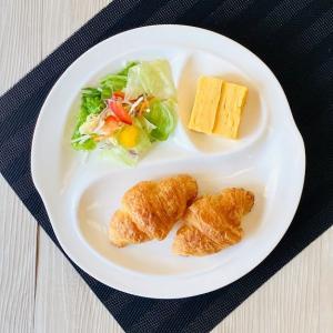 ランチプレート 仕切り皿 おしゃれ  桃型  白磁 レンジOK ラウンドプレート 丸皿 無地 シンプル|nishida-store