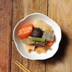小鉢 白磁 おしゃれ  桜形  煮物 漬物 お通し 和食 おしゃれ 軽い シンプル ボウル 白い 料亭 旅館 業務用|nishida-store