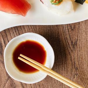 小皿 白磁 おしゃれ  8.5cm 桜形   豆皿 醤油 薬味 タレ入れ 軽い レンジOK 白い お皿|nishida-store