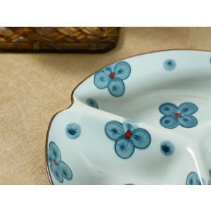 三つ 仕切り皿  8.5号 青い四つ葉 和食器 大きい 丸い レンジOK 軽い 取り皿 プレート 軽い おしゃれ|nishida-store