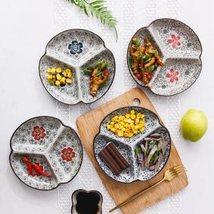 和食器 三つ仕切り皿  7.5号 赤いコスモス  プレート 花柄 割れにくい こども 大皿 レンジOK 取り皿 オリジナル|nishida-store
