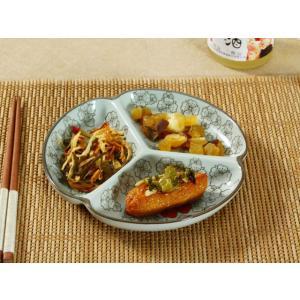 三つ 仕切り皿  7.5号 赤い椿  プレート 花柄 割れにくい こども 大皿 レンジOK 取り皿 オリジナル 和風|nishida-store