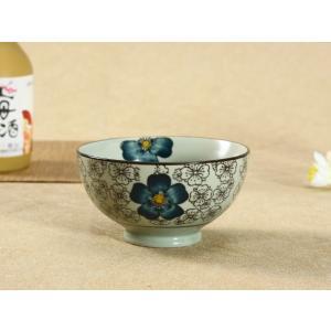 茶碗  4.5号 青い椿 ボウル  どんぶり ご飯 子ども 野菜 まんぷく 普通盛り レンジOK 花柄 カラバリ ボウル 陶磁器 スープ ライス|nishida-store