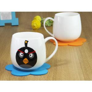 お洒落な白い大容量マグカップ。コーヒー、紅茶、ジュース、ミルク、スープ色んな飲み物で使えます。