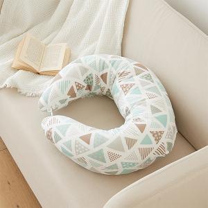 Wガーゼ抱き枕&授乳クッション(三角柄)|nishimatsuya