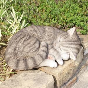 眠り猫の置物  -灰色ネコ- (置物 オーナメント 庭 かわ...