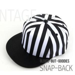白黒ストライプ  キャップ  帽子 男女共用|niyantarose
