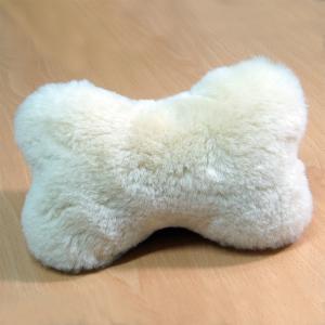 ムートンクッション ムートンボーンピロークッション ペットが大好きな天然ムートンで作ったかわいいミニクッション おもちゃになったり枕になったり|noble-collection