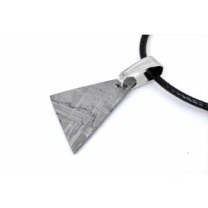 ギベオン隕石 ギボン隕石 18mm メテオライト ペンダント 鉄隕石 オクタヘドライト 隕鉄 ナミビア 24