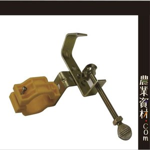 工事用取付金具(ユニ金具) 単管 ソーラー式工事灯 工事用看板 取付金具 自在金具|nogyo-shizai