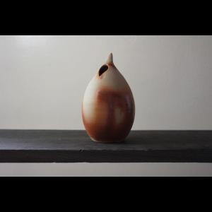 花を美しく魅せるモダンな器 陶芸作家 大江一人 Shizuku  Flower  Vase  花器  花瓶 一輪挿し 作家の器 作家物  ブラウン ベージュ系|nontitletokyo