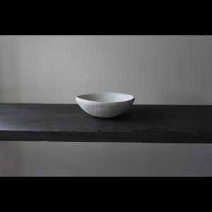 英国の陶芸作家 アーティスト SARAH JERATH  サラジェラス CHALK  10cm   BOWL ボウル No1    白 ホワイト 作家の器 作家物 一点物 nontitletokyo