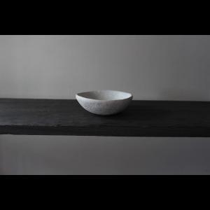 英国の陶芸作家 アーティスト SARAH JERATH  サラジェラス CHALK  10cm   BOWL ボウル No2    白 ホワイト 作家の器 作家物 一点物 nontitletokyo