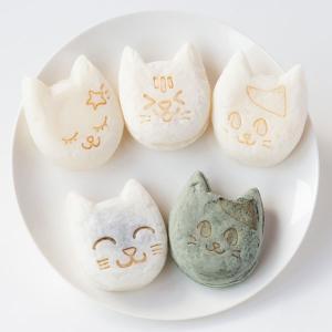 新潟県産コシヒカリの米粉を配合したモチモチ生地に   あんこやクリームがたっぷりのお菓子♪  かわい...