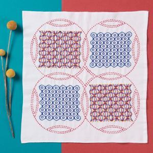 刺し子キット・くぐり刺しの花ふきん 麻の葉と銭刺し|nunogatari