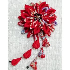 一越ちりめん手芸キット つまみ細工のブローチ 美濃菊(赤花柄)|nunogatari