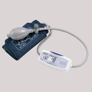 上腕式で小型・軽量手のひらサイズの血圧計 携帯に便利なコンパクトサイズ!  血圧計本体72g腕帯・乾...