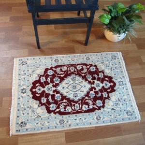 ペルシャ絨毯 ナイン、玄関マットサイズ 89×61cm o-moon