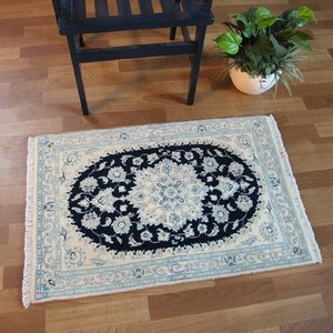 ペルシャ絨毯 ナイン、玄関マットサイズ 92×60cm o-moon