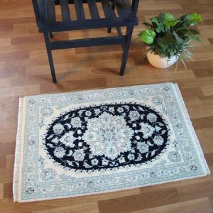 ペルシャ絨毯 ナイン、玄関マットサイズ 93×60cm o-moon