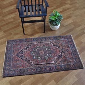 ペルシャ絨毯・ゴルトク、玄関マットサイズ 126×75cm o-moon