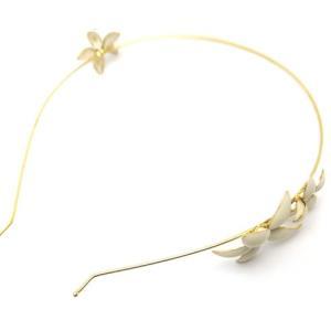 キャロリーナ・ヘレナの金張りシルバー製のカチューシャです。ジャスミンの花をモチーフにした美しいデザイ...