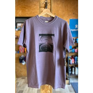 FORMER(フォーマー)CRUX TEE WASHパープル メンズTシャツ |oceanzonesurf