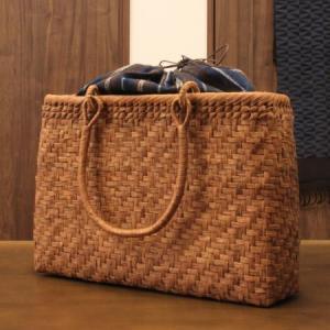 山葡萄 特大 かごバッグと 手紡ぎ綿糸を草木染し手織りした布の落とし込み巾着のセット レビューでコースター2枚プレゼント中/やまぶどう/籠バッグ/SA-7297/4 offer1999